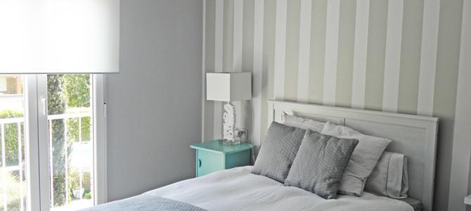 Dormitorio con un toque romántico